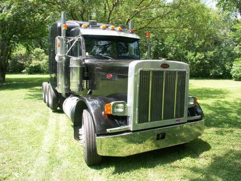 2003 Peterbilt 379 for sale in Joliet, IL