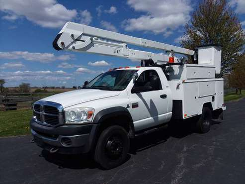 CUMMINS 42' 2008 Dodge 5500 Ram 4x4 Diesel Bucket Boom Utility Truck for sale in Hampshire, NE