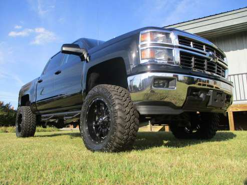"1 OWNR 6"" RC LIFTED 2015 CHEVY SILVERADO 1500 CREW 4X4 *35X12.50 MTS!* for sale in KERNERSVILLE, NC"
