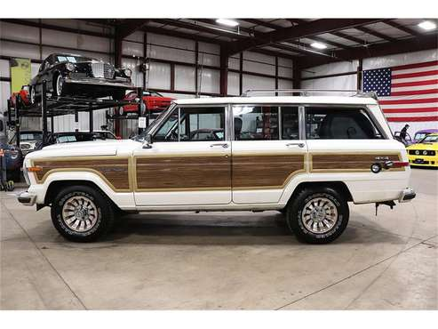 1987 Jeep Grand Wagoneer for sale in Kentwood, MI