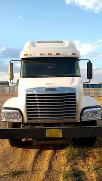2006 Century Class Freightliner with Oil WetKit for sale in Carlsbad, NM