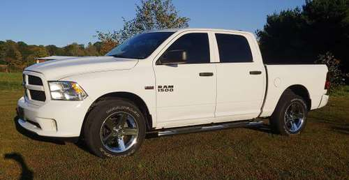 2017 Ram 1500 Express Crew Cab 4x4 for sale in Martinsville, IN