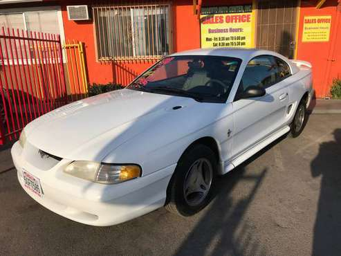 1998 FORD MUSTANG, 2DR, AUTO, WHITE- V-6, EXCELLENT CONDITION.. for sale in Modesto, CA