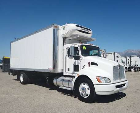 2014 Kenworth T270 NON CDL reefer box truck for sale in Tolleson, AZ