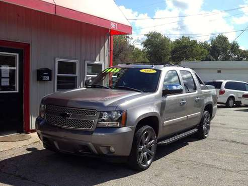 2007 Chevy Avalanche LTZ 1500 Crew Cab 4X4 for sale in Mansfield, OH