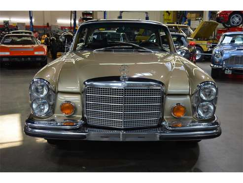 1971 Mercedes-Benz 280SE for sale in Huntington Station, NY