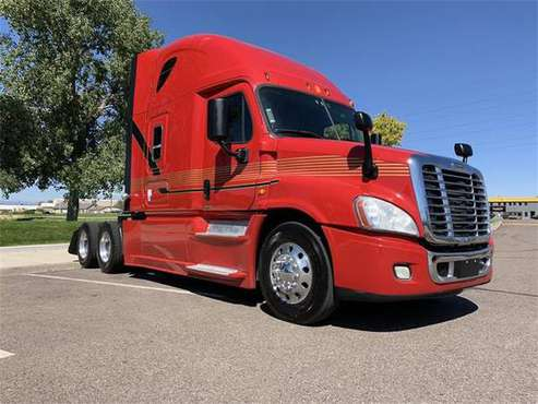 2014 Freightliner CA12564SLP - CA - for sale in Commerce City, CO