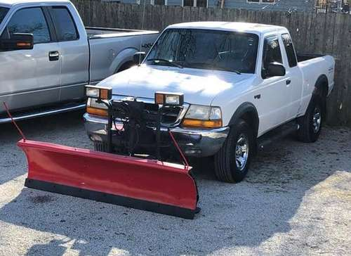 ★ FORD RANGER XLT 4x4 ★ WESTERN SNOW PLOW - cars & trucks - by owner... for sale in Champaign, IL