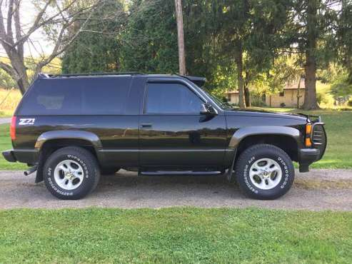 98 Chevy Tahoe Z71 4WD 2Dr for sale in Dalton, OH