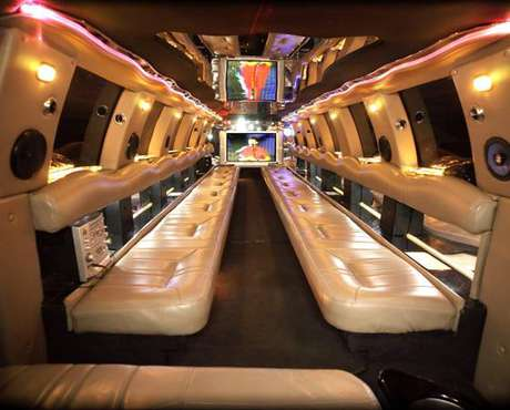 30-Passenger Limo SUV Coach Bus very nice EXCELLENT AC system for sale in Winona, MN, WI