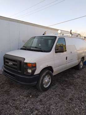 ford econoline - cars & trucks - by owner - vehicle automotive sale for sale in Brookfield, IL
