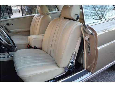 1971 Mercedes-Benz 280SE for sale in Cadillac, MI