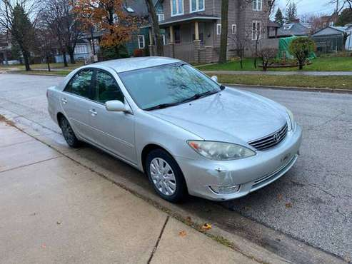 2005 Toyota Camry XLE 4dr Sedan - cars & trucks - by owner - vehicle... for sale in Maywood, IL
