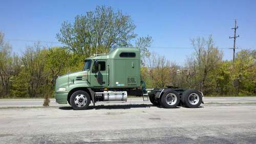 2004 Mack CX613 Vision Sleeper Semi for sale in University Park, IL
