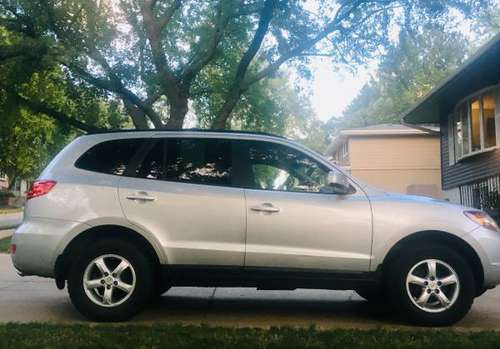 4 Wheel Drive SUV Super CLEAN Hyundai SANTA FE Limited Edition! for sale in Omaha, NE