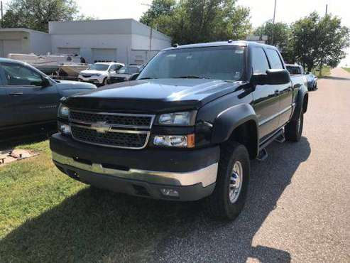 *********2005 Chevy Silverado 2500HD LT/Duramax/Crew Cab/Auto**** for sale in Wichita, KS