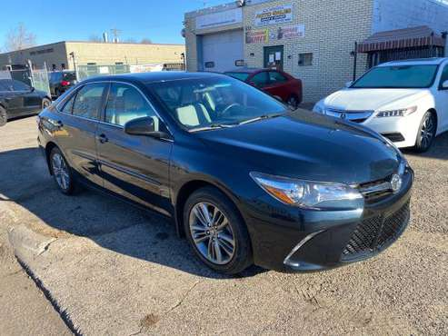 2017 Toyota camry SE...only 32kmiles...clean title - cars & trucks -... for sale in Hopkins, MN