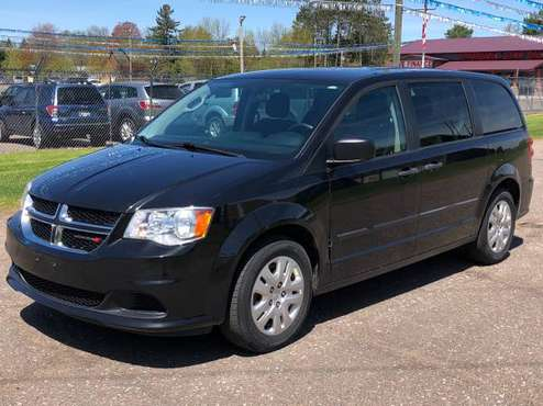 2014 CHRYSLER TOWN&COUNTRY, 8 PASSENGER ONLY 144000. GREAT CONDITION for sale in Cambridge, MN