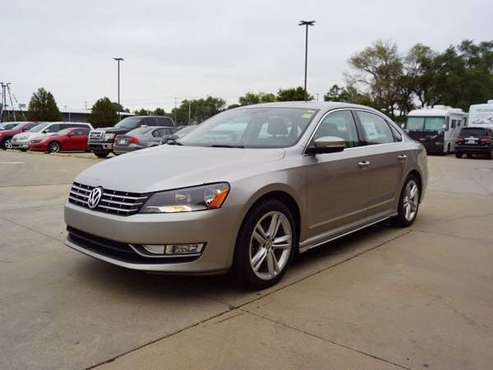 2013 Volkswagen VW Passat TDI SE w/Sunroof & Nav - cars & trucks -... for sale in Wichita, KS