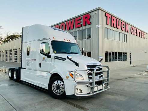 2018 FREIGHTLINER CASCADIA 126 ONLY 236K MILES!! for sale in Asheville, NC