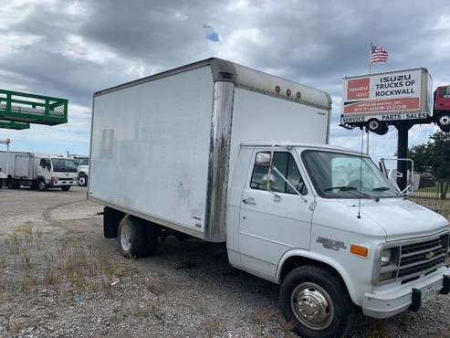 1994 box truck . Runs excellent. 16ft box truck for sale in Euless, TX