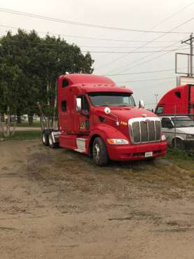 2011 Peterbilt 387 for sale in Waterloo, IA