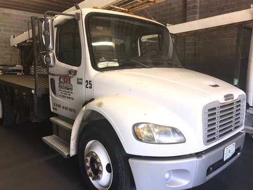 2005 Freightliner Shingle Delivery Truck for sale in Saint Louis, MO