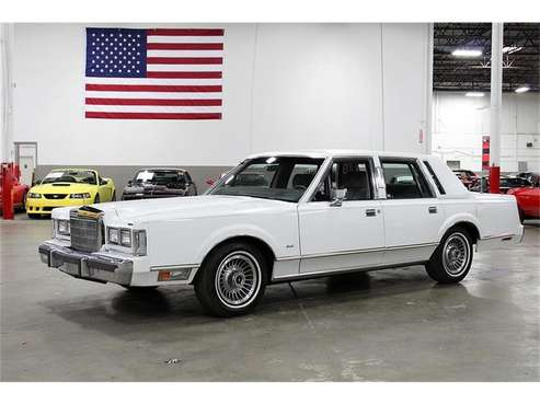 1988 Lincoln Town Car for sale in Kentwood, MI