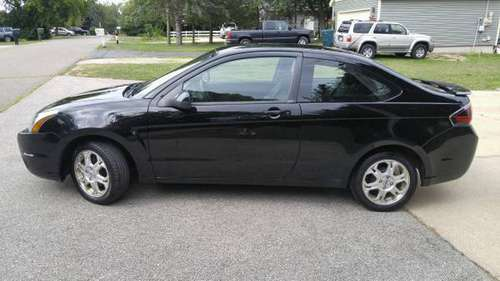 2010 Ford Focus SE 2 Dr Coupe, 5 speed manual for sale in Highland, MI