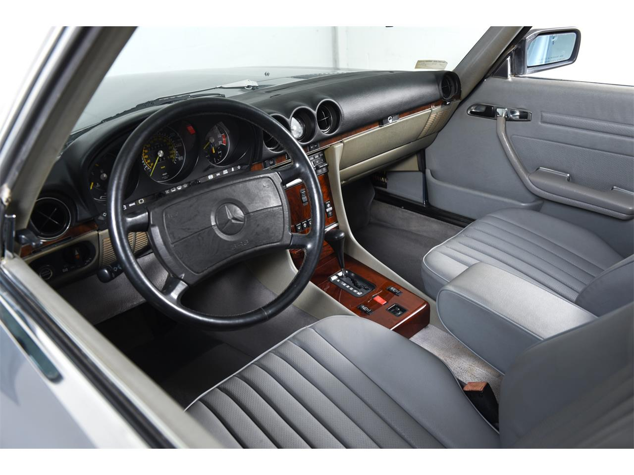 1988 Mercedes-Benz 560 for sale in Farmingdale, NY – photo 20