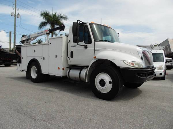 International Tool Utility body *CRANE Truck* MECHANIC SERVICE TRUCK for sale in West Palm Beach, FL – photo 2