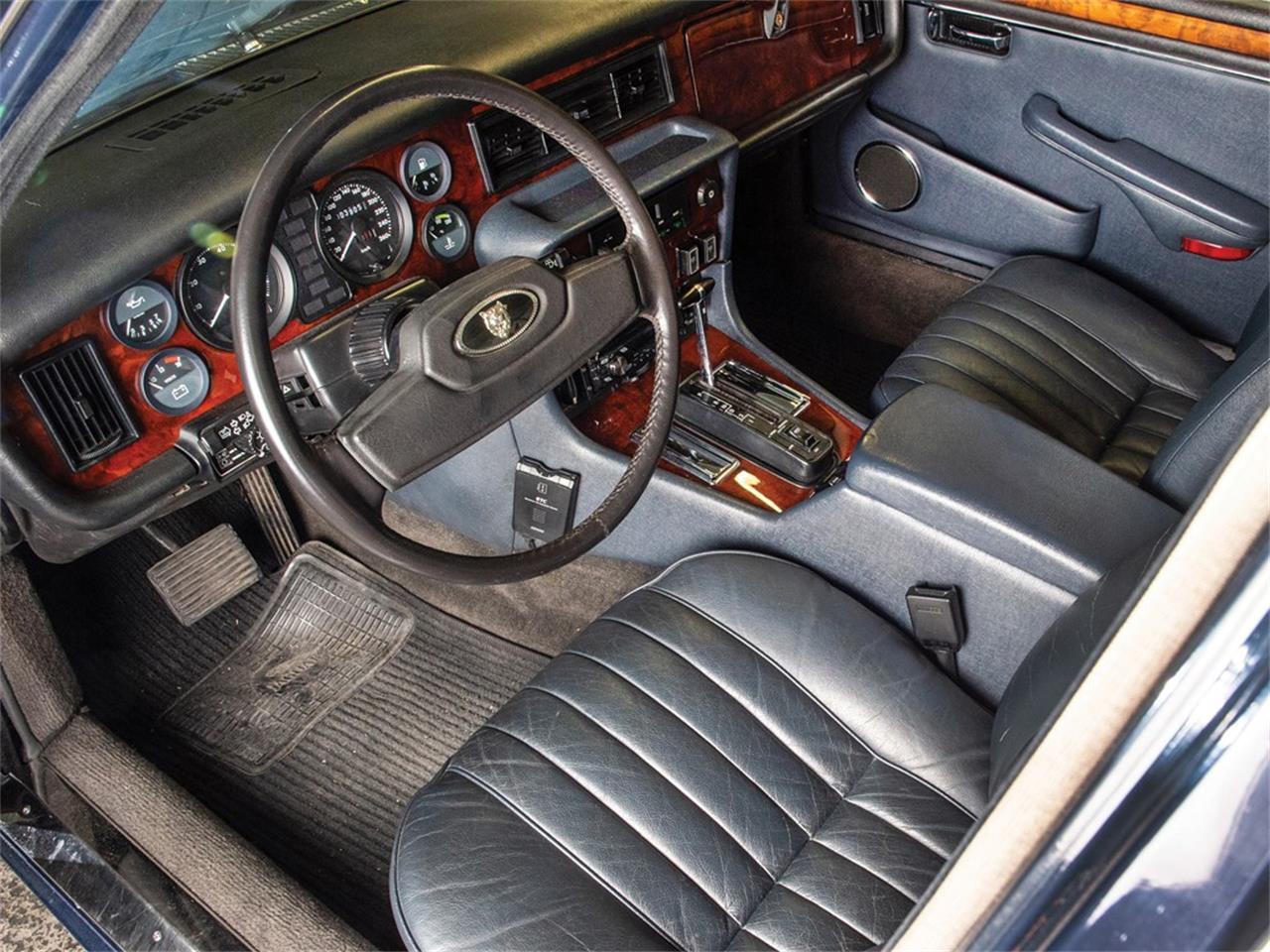 1990 Jaguar XJ12 for sale in Essen / ClassicCarsBay.com