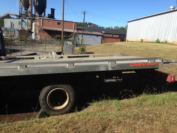 IVECO 1989 ROLLBACK PROJECT CHEVRON 20 ft ALUMINUM BED AND SPARE TRUCK for sale in Athens, GA – photo 2