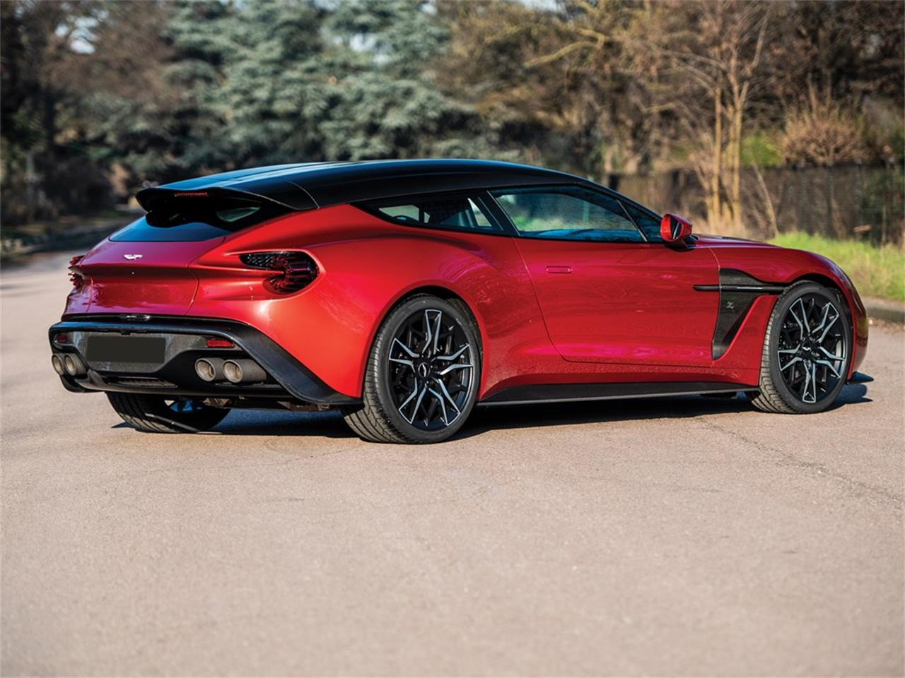 2019 Aston Martin Vanquish for sale in Cernobbio, Other – photo 2