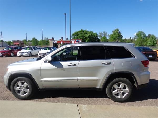 2011 Jeep Grand Cherokee Laredo for sale in Sioux Falls, SD – photo 6