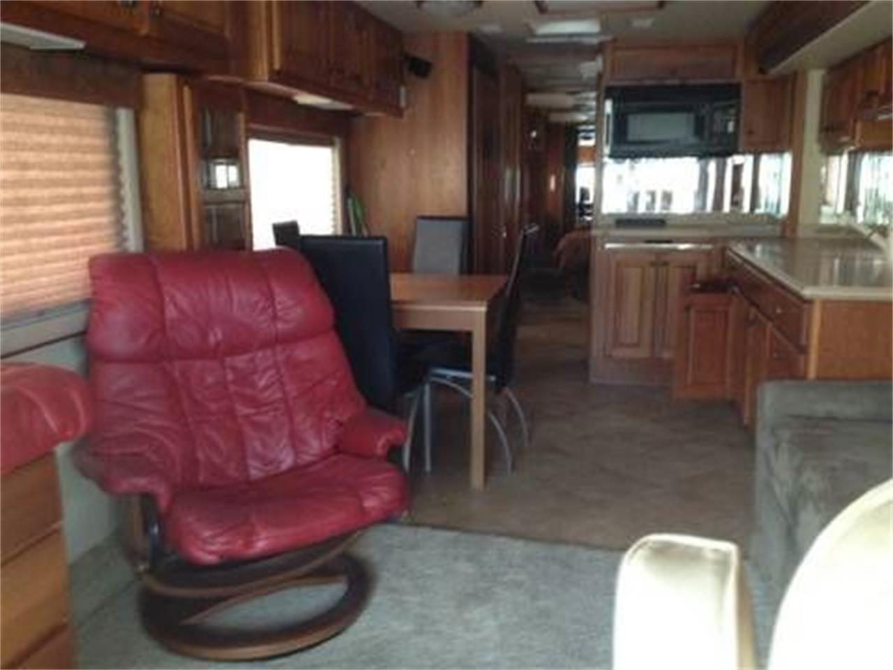2002 Country Coach Intrigue for sale in Cadillac, MI – photo 3