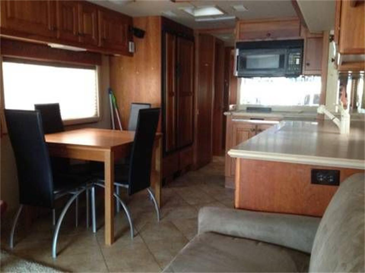 2002 Country Coach Intrigue for sale in Cadillac, MI – photo 11