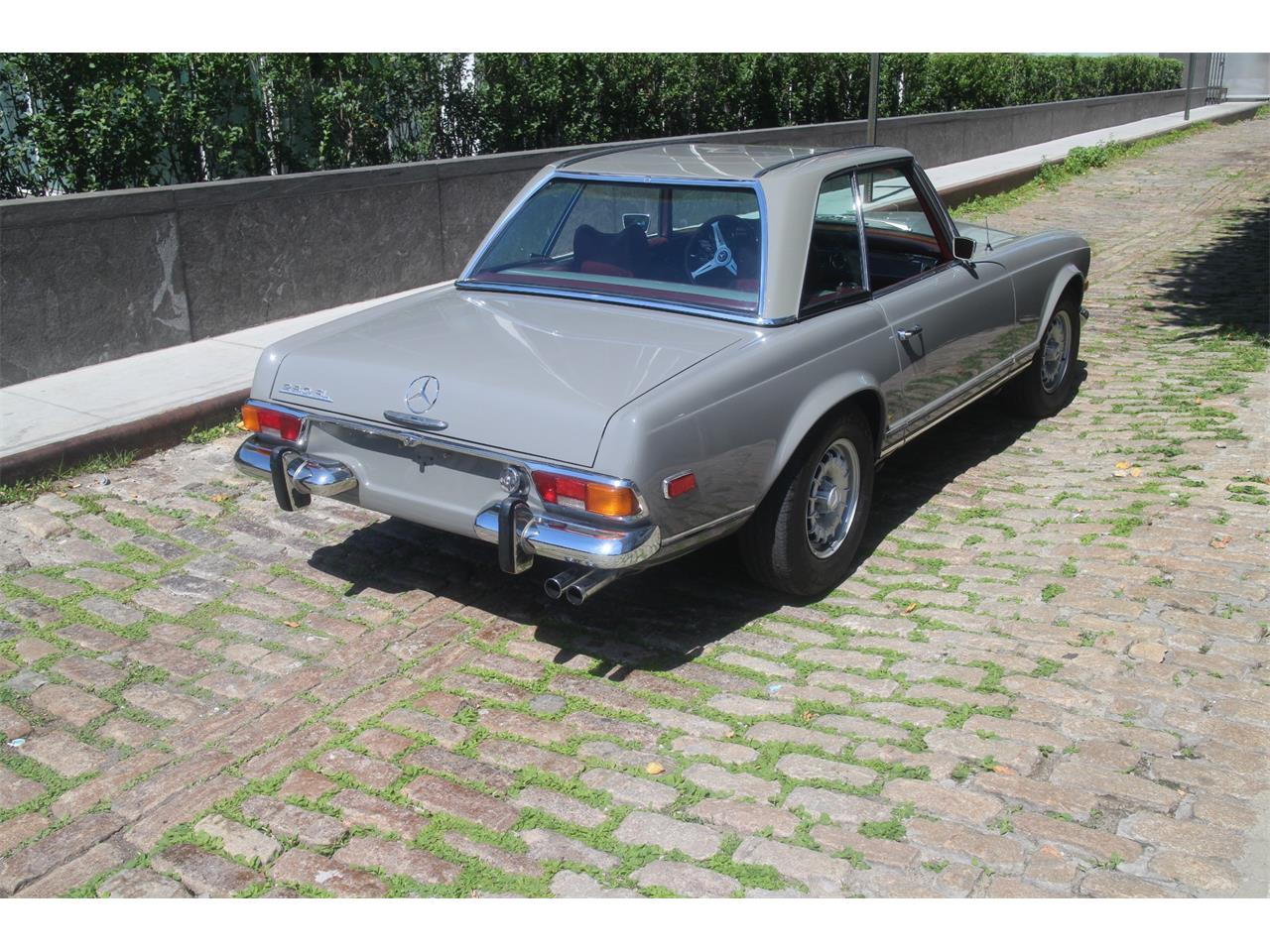 1971 Mercedes-Benz 280SL for sale in NEW YORK, NY – photo 12