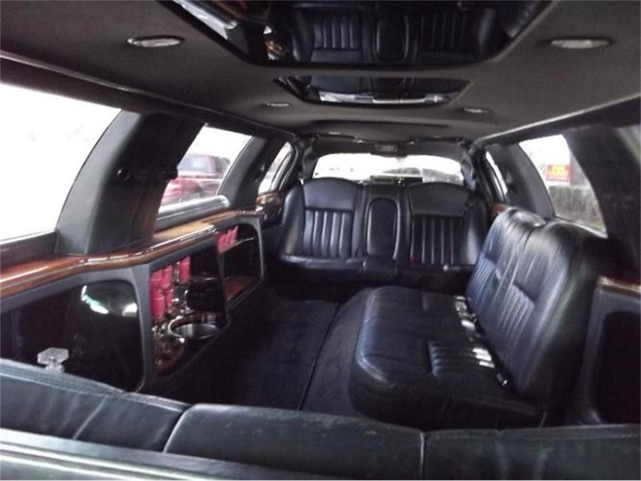 2005 Lincoln Town Car for sale in Cadillac, MI – photo 17