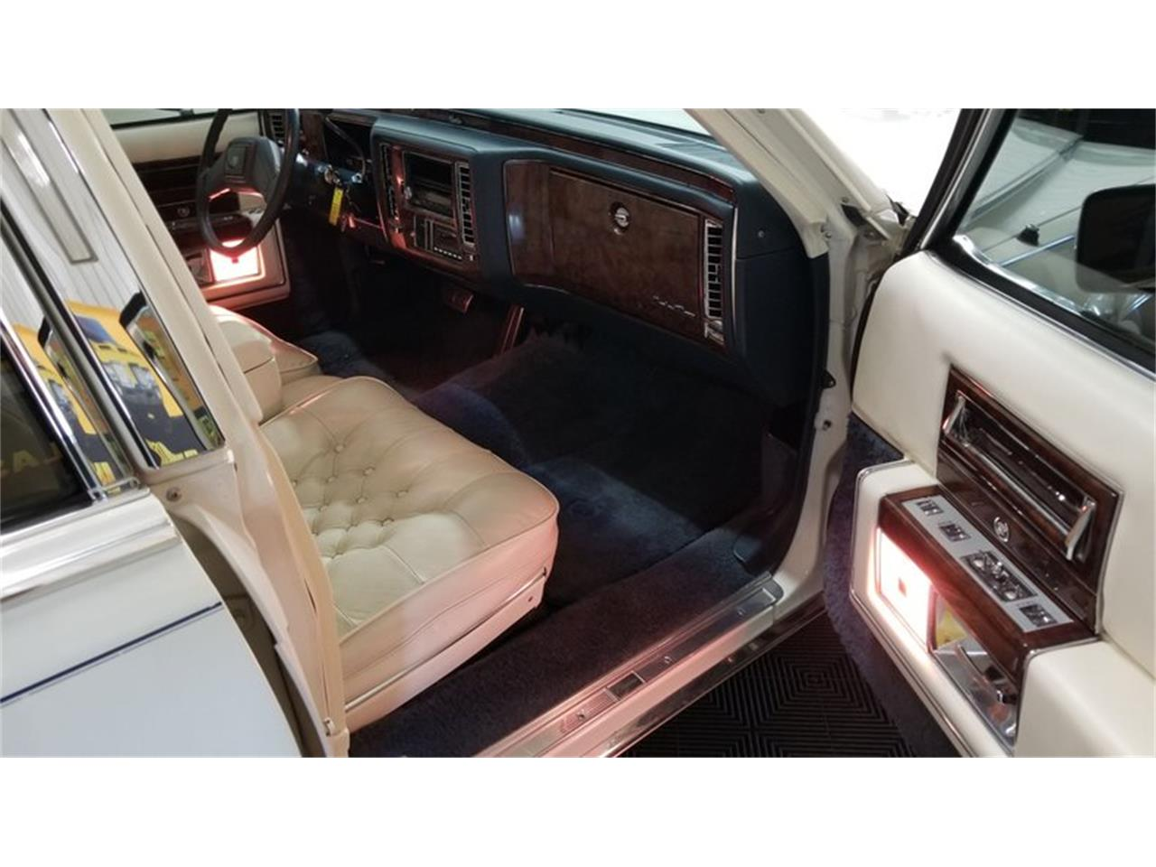 1991 Cadillac Brougham for sale in Mankato, MN – photo 35
