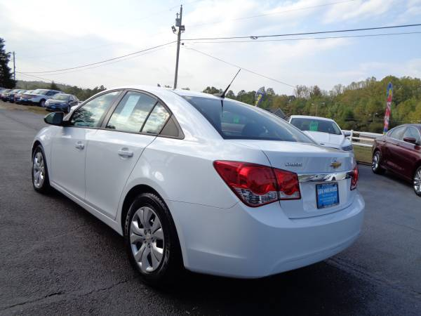 2014 Chevrolet Cruze One Owner Immaculate Condition for sale in Rustburg, VA – photo 5