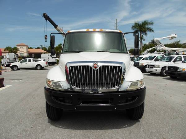 International Tool Utility body *CRANE Truck* MECHANIC SERVICE TRUCK for sale in West Palm Beach, FL – photo 3