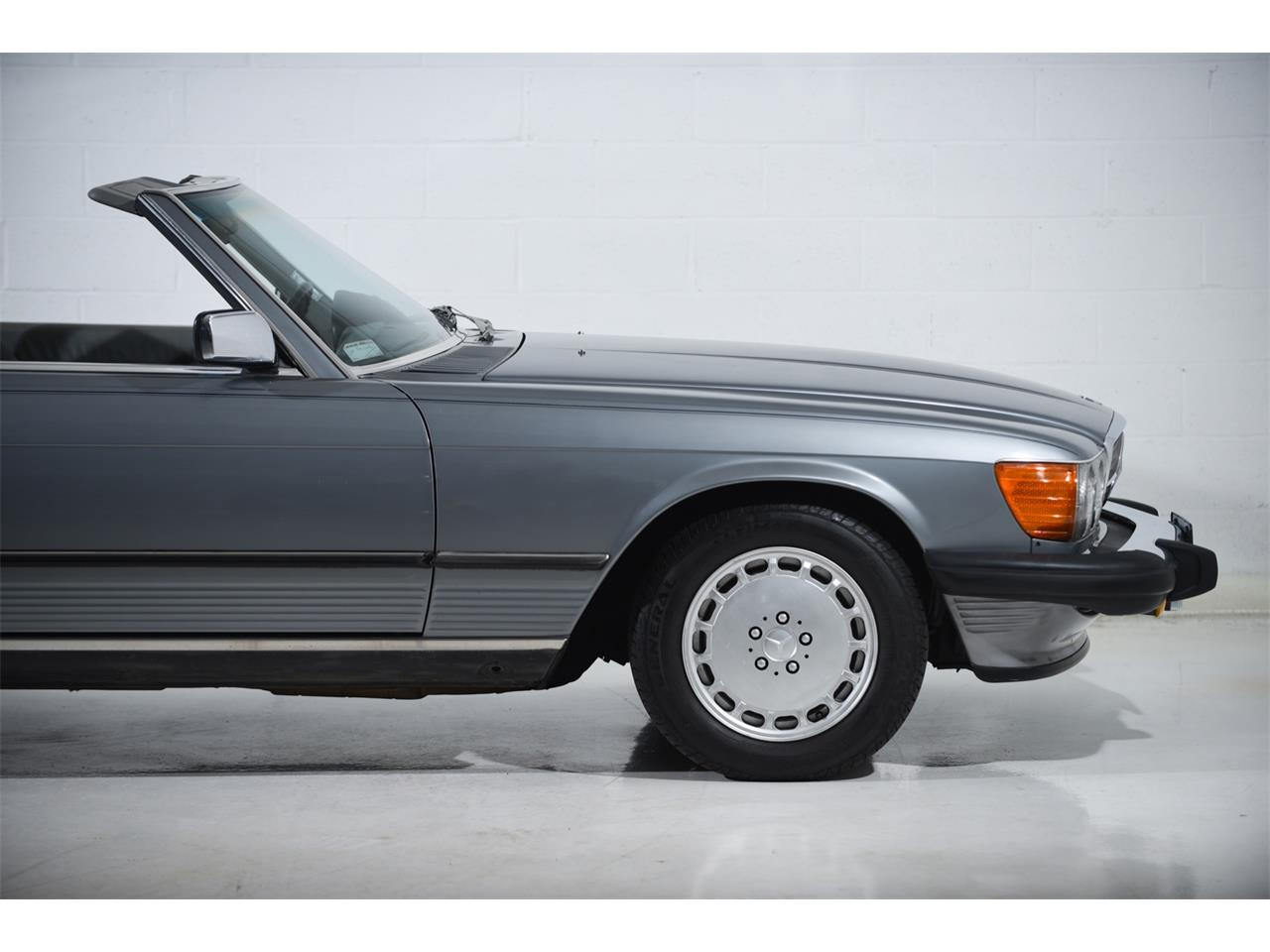 1988 Mercedes-Benz 560 for sale in Farmingdale, NY – photo 19
