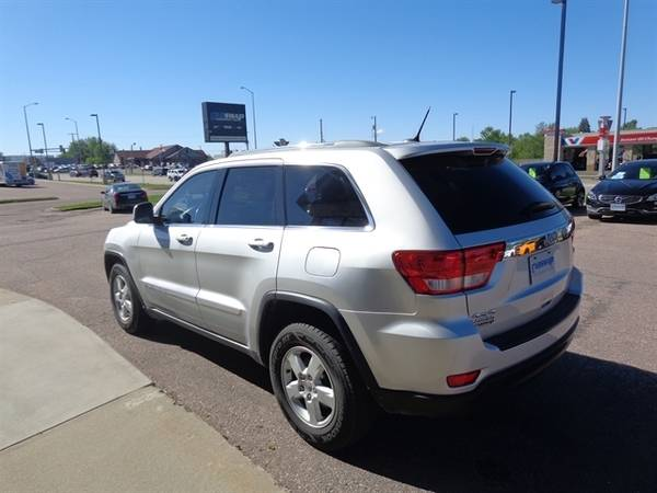 2011 Jeep Grand Cherokee Laredo for sale in Sioux Falls, SD – photo 5