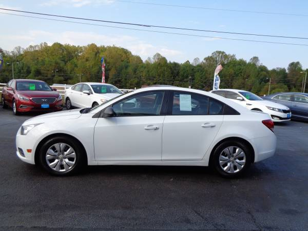 2014 Chevrolet Cruze One Owner Immaculate Condition for sale in Rustburg, VA – photo 4