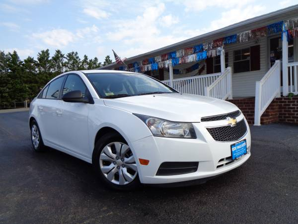 2014 Chevrolet Cruze One Owner Immaculate Condition for sale in Rustburg, VA – photo 3
