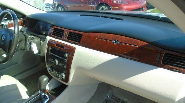 09 chevy impala LT 97,000 miles clean car $5500 **Call Us Today For... for sale in Waterloo, IA – photo 10