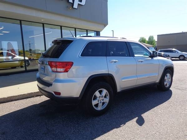 2011 Jeep Grand Cherokee Laredo for sale in Sioux Falls, SD – photo 3