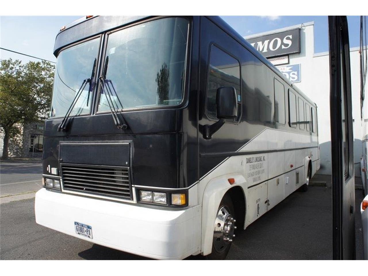 2001 Freightliner Bus for sale in Stratford, NJ – photo 3