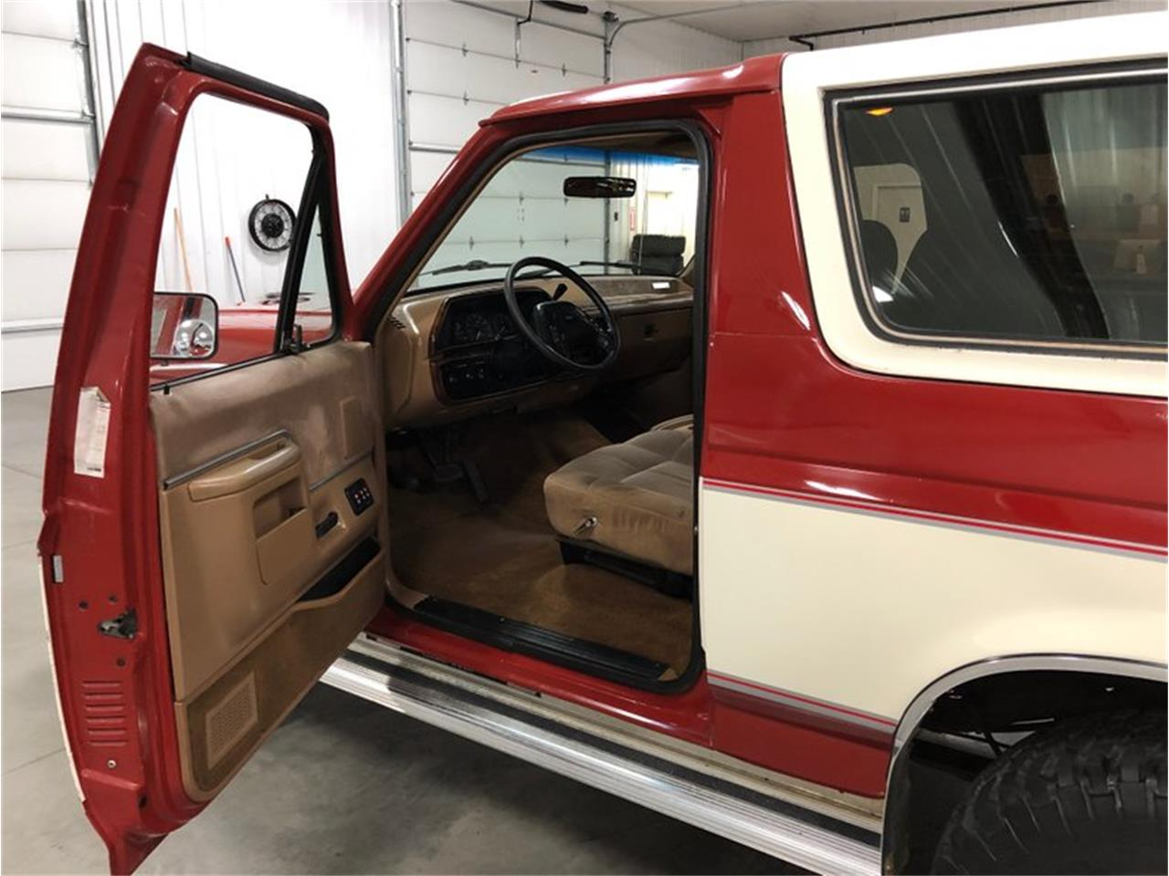 1987 Ford Bronco for sale in Holland , MI – photo 25